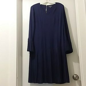 THE LIMITED COLLECTION dress navy pleated  lovely